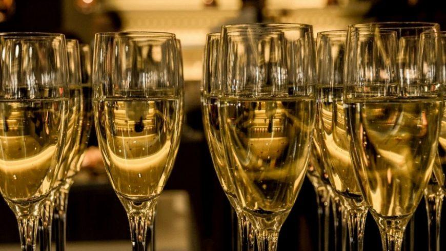 Шампанско срещу зъбобол